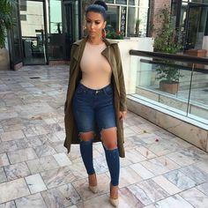 Camel & Khaki per usual  Bodysuit @missguided Jeans @stylekeepers_boutique Coat @missguided Shoes @lolashoetiquedolls #CasualChic #glamrezy