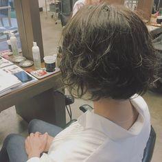 hair…✂︎✂︎ 『カーキアッシュ×刈り上げボブ』 半年ぶりのお客様との再会♡♡刈り上げて前下がりボブにして全体カラーも。久しぶりにリフレッシュしたーと喜んでもらえました❤️ #hair#haircolor#hairstyle#ヘアスタイル#ヘアカラー#bob#ボブ#刈り上げボブ#カーキアッシュ#アッシュグレー#アッシュ#寒色系カラー#ママ美容師