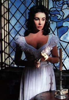 Elizabeth Taylor she looks a little like vivien leigh in this photo