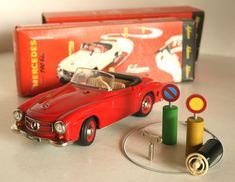 Schuco Western Germany Mercedes Benz 190 SL Clockwork remote control car Windup in box 8.75 inches (22 cm) complete original tin toy car Item 1SchucoTWCbx | Tin Toy Car