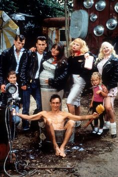 Still of Johnny Depp, Traci Lords, Ricki Lake, Iggy Pop, Darren E. Burrows and Kim McGuire in Cry-Baby (1990)