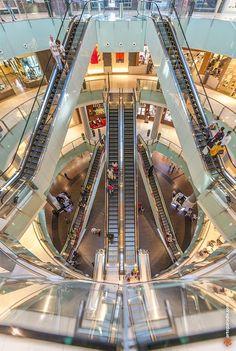 Dubai Mall - Dubai UAE. www.arteparada.com www.facebook.com/arteparada #pordosol…