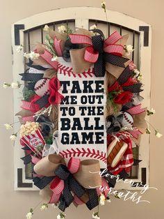 Baseball wreath~Take me out to the ballgame~Door Envy Wreaths Baseball Wreaths, Baseball Crafts, Sports Wreaths, Baseball Kids, Baseball Boyfriend, Angels Baseball, Baseball Stuff, Baseball Players, Baseball Field