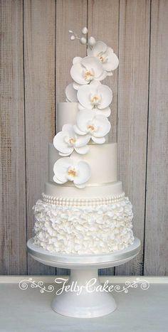 Orchid Ruffles Wedding Cake - Bea's dessert table - Hochzeit Orchid Wedding Cake, Orchid Cake, Wedding Dress Cake, White Wedding Cakes, Elegant Wedding Cakes, Beautiful Wedding Cakes, Gorgeous Cakes, Wedding Cake Designs, Pretty Cakes