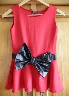 Kaufe meinen Artikel bei #Kleiderkreisel http://www.kleiderkreisel.de/damenmode/tanktops/121026294-rotes-peplumshirt-mit-schwarzer-schleife