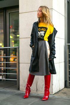 The Best Street Style from London Fashion Week- London Fashion Week Street Style Fall 2017 – Street Style at London Fashion Week 2017 London Fashion Weeks, London Fashion Week Street Style, Tokyo Street Fashion, Street Style 2017, Street Style Trends, Autumn Street Style, Street Style Women, Street Styles, Fashion Week 2018