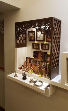 Pooja Room Door Design, Home Room Design, House Design, Foyer Design, Indian Home Interior, Indian Home Decor, Temple Design For Home, Home Temple, Mandir Design