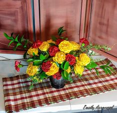 Floral Design, Table Decorations, Furniture, Home Decor, Decoration Home, Room Decor, Floral Patterns, Home Furnishings, Home Interior Design