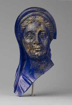 Glass portrait head of a woman, 1st half of the 2nd century AD, Roman