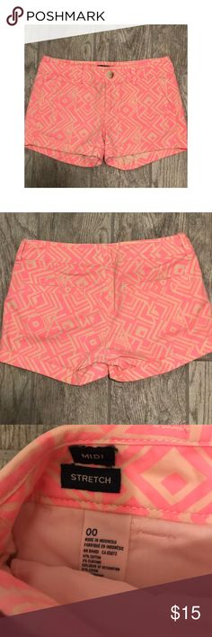 💗AMERICAN EAGLE💗 Tribal Pattern Shorts -- 00 💗AMERICAN EAGLE💗 Tribal Pattern Shorts -- 00 -- Bundle with other AE Products for savings 🛍 American Eagle Outfitters Shorts