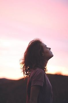 // love // Infinity Photography, Girl Photography, Faceless Portrait, Cool Photos, Beautiful Pictures, Cross Pictures, Alone Art, Prophetic Art, Christian Girls