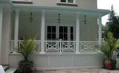 Florida Style Woodwork in an Etobicoke Yard - Florida in Toronto! Porch Veranda, Porch And Balcony, Covered Deck Designs, Balustrade Balcon, Fence Builders, Stair Handrail, Railings, Cedar Deck, Cool Deck