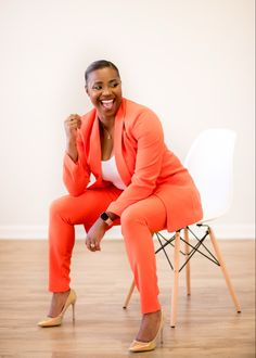 Personal branding session in studio #branding #portraitphotographer Classy Outfits, Work Outfits, Glam Photoshoot, Boss Black, Perfect Image, Meeting New People, Personal Branding, Orange, Yellow