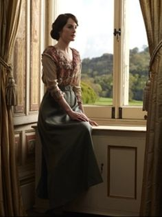Michelle Dockery as Lady Mary Crawley. Also? My favourite outfit from Season 2.