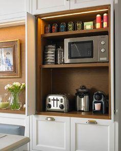 ¿Que os parece este armario para el desayuno? #deulonder #deulonderstore Coffe Machine, Coffee Area, Tidy Up, Home Remodeling, Liquor Cabinet, House Plans, Kitchen Appliances, Kitchens, Storage