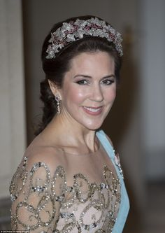 Danish Ruby Parure Tiara princess mary of denmark - Ecosia Princess Marie Of Denmark, Princess Beatrice, Princess Eugenie, Crown Princess Mary, Princess Charlotte, Princess Kate, Mary Donaldson, Queen Margrethe Ii, Queen Maxima