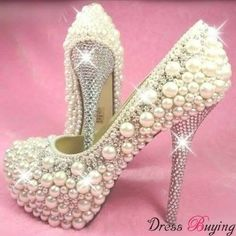 What jolly fun to LOOK AT.  Zee toes however simply scream at the thought of trying them on...LOL