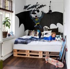 pallet bed for a teenage boy room
