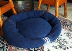 DIY Dog or Cat Beds - Made from an Old Sweatshirt and Other Things Around the Home    #pet #gifts #craft