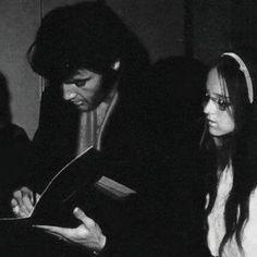 1969 8 01 Elvis Australie membre de l'association, Ian A. Fraser-Thomson rencontre Elvis Presley - Conférence de presse