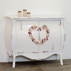 Cassettiera a tre cassetti in legno stile country decorata con ...