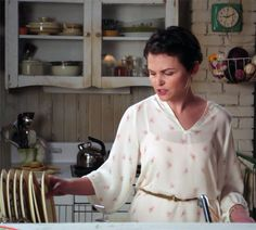 Mary Margaret Apartment Once Upon A Time - love this shirt!