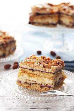 Pani Walewska (Pychotka) - kruche ciasto z porzeczkowym dżemem i delikatną migdałową bezą, przełożone kremową masą - ciasto idealne :) Cake Cookies, My Recipes, Nutella, Tiramisu, Sweet Tooth, French Toast, Food And Drink, Pie, Treats
