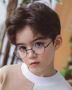 Some sweet pics of a wizard Cooper! 🤩 Guys, do you like glasses? Cute Asian Babies, Korean Babies, Asian Kids, Cute Babies, Cute Baby Boy, Cute Little Baby, Cute Boys, Cute Kids Photography, People Photography