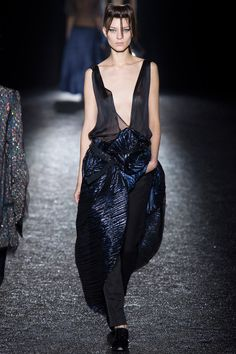 #HaiderAckermann #Spring2014 #Catwalk #trends #ParisFafhionWeek #Paris #SS2014 #pleated #plisado