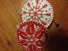 Decorative Plates, Christmas Ornaments, Holiday Decor, Home Decor, Decoration Home, Room Decor, Christmas Jewelry, Christmas Decorations, Home Interior Design