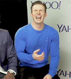 Chris Evans || Chris laughs so hard, he'd have fallen over of Mackie hadn't grabbed his chair! || D23 Expo || I LOVE THIS!!! (1/2)