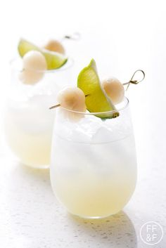 Try this Lychee Lime Fizz for a light cocktail made with lychee, lime and mint #Cocktail