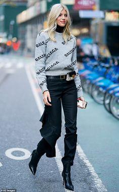 Elsa Hosk dons Fendi mini dress as she and Devon Windsor hit fitting for Victoria's Secret Fashion Show in NYC Cool Street Fashion, Street Style Women, Street Chic, Vogue Fashion, New York Fashion, Bape, Balenciaga, Devon Windsor, Kendall