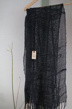 kumori soft wool tweed handwoven scarf by kobecafe Mittens, Tweed, Weave, Hand Weaving, Fashion Beauty, Sequin Skirt, Scarves, Textiles, Wool