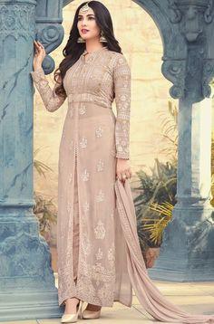 Buy latest Salwar Kameez and designer suit collection with variant designs. Browse designer salwar suits and shalwar dresses at best price range from the house of Zaraafab UK. Pakistani Dress Design, Pakistani Dresses, Indian Dresses, Indian Outfits, Pakistani Suits, Pakistani Salwar Kameez, Churidar Suits, Anarkali Suits, Punjabi Suits
