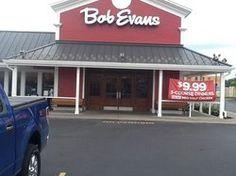 """Looking for a meal that is fast and cheap but still irresistibly delicious? Visit """"Bob Evans"""" for some quality All-American food! Niagara Falls Restaurants, All American Food, Niagara Falls New York, Autumn In New York, Delicious Restaurant, Top Place, Places To Eat, Trip Advisor, Evans"""