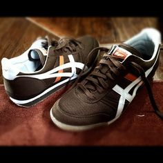 Asics Tigers Snicker Shoes, Old Shoes, Onitsuka Tiger, Shoe Company, Asics Shoes, Sport Wear, Cool Items, Vintage Men, Tigers