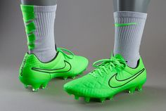 Nike Tiempo Legend V FG - Green Strike/Green Strike-Black-Black