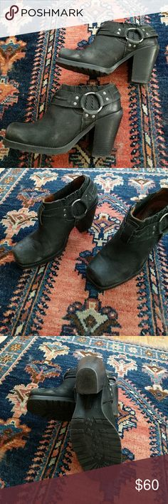 Black ankle motorcycle boots Minor signs of wear. Made in Spain black leather ankle boots Shoes Combat & Moto Boots