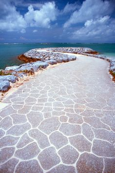 Araha Beach, Okinawa, Japan, I would constantly walk to the end of this walkway, climb down the rocks and just sit and soak in my atmosphere and listen to the waves crash for hours. Okinawa Japan, Asia Travel, Japan Travel, Travel Vlog, Dream Vacations, Vacation Spots, Go To Japan, Japan Japan, Cafe Japan