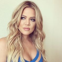 going from Brunette to Blonde isn't easy and often disastrous...but Kloe Kardashian did it so right...