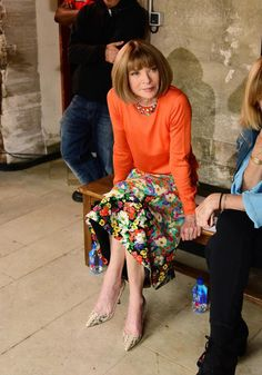 Vogue Fashion, Fashion Week, Girl Fashion, Fashion Outfits, Womens Fashion, Anna Wintour Style, Color Combinations For Clothes, Crazy Outfits, Sexy Older Women