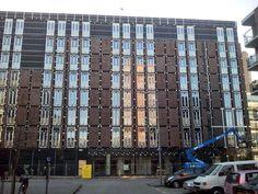 Gevel van het Revalidatiehotel aan de Dynamostraat zijde (19 januari 2015).