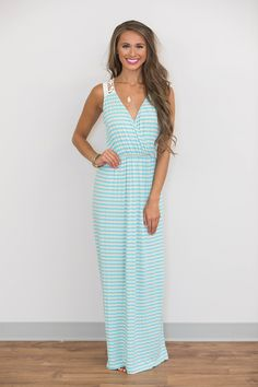 Looking for boutique maxi dresses? Shop the biggest online selection of cute, timeless styles at Pink Lily today for the wardrobe upgrade of a lifetime! Dress Skirt, Dress Up, Pink Lily Boutique, Boutique Maxi Dresses, Luxury Dress, Timeless Fashion, Aqua, Cute Outfits, Handbags
