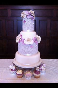 Lace & pearls by The Little Cake Emporium