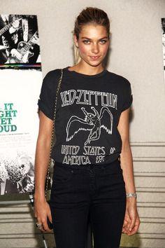 Jessica Hart T-Shirt - Jessica Hart Looks - StyleBistro Jessica Hart, Led Zeppelin T Shirt, Trend Fashion, Rock Fashion, Indie Fashion, Winter Fashion, Women's Fashion, Mein Style, Get Dressed