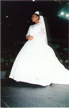 https://flic.kr/p/EmBirp | BLACK WOMEN'S BRIDAL/FASHION EVENT, OCTOBER 2000 | CLEVELAND STATE UNIVERSITY COVOCATION CENTER
