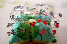Did you ever think of using shrink plastic to make your own sewing notions? Brilliant idea - make buttons, pin heads, and notions tags! Shrinky Dinks, Diy Shrink Plastic Pins, Plastic Art, Fun Projects, Sewing Projects, Project Ideas, Craft Ideas, Homemade Gifts, Diy Gifts