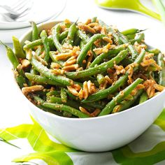 Buttery Almond Green Beans Recipe -Toasted almonds add crunch to this no-fuss treatment for fresh beans. They get extra flavor from convenient onion soup mix and Parmesan cheese. Vegetable Sides, Side Dishes Easy, Vegetable Side Dishes, Side Dish Recipes, Vegetable Recipes, Main Dishes, Cooking Recipes, Healthy Recipes, What's Cooking