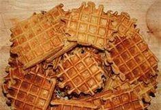 bewaarwafels Pureed Food Recipes, Dessert Recipes, Cooking Recipes, Crepes, Baking Power, Dutch Recipes, Waffle Iron, Fabulous Foods, Sweet Desserts